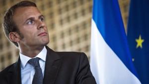 Emmanuel Macron Art2M